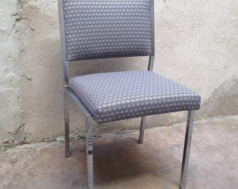 Chair with chromed feet restored