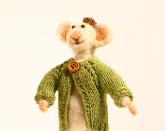 Manuel the smiler mouse, needle felted mice.