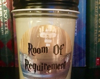 100% Soy Room Of Requirement Harry Potter Inspired Scented Candle