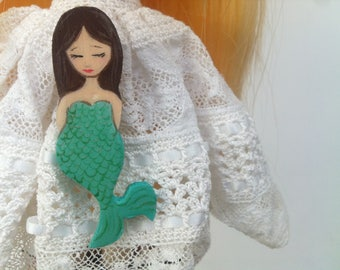 Mermaid brooch zoownatas