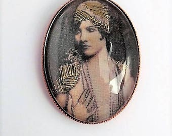 Embroidered handmade woman vintage brooch