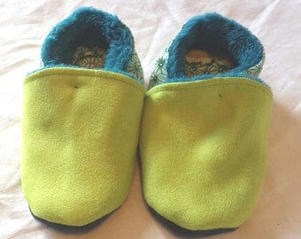 Filled slippers, size 21, green and blue