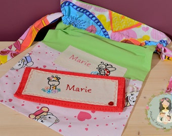 Unique personalized set of bag and towel for daycare, handmade embroidered, baby gift, drawstrings bag, girl daycare bag, library bag, name