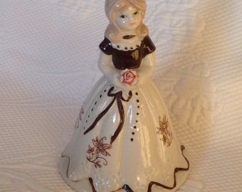 """Figurine Bell porcelain vintage style """"Southern Belle"""" / / made in Taiwan"""