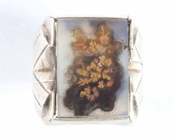 Silver Ring set with Priday Plume agate cabochon