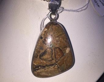 Brecciated jasper pendant in silver