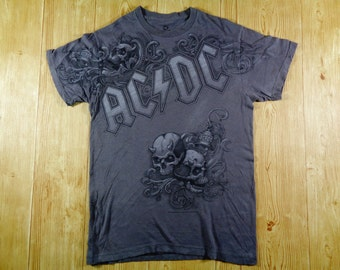 20% OFF Vintage ACDC Rock Band Tshirt Small Size