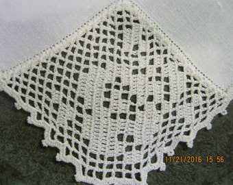 Crochet Detail Ecru Dinner napkins- European- set of 9