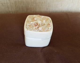 Vintage Albertine trinket/pill box rare.