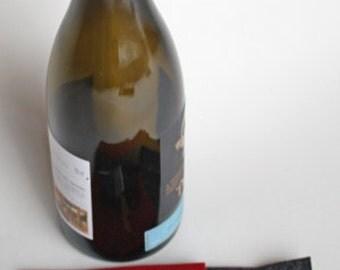 Drip for wine bottles