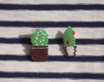Set of 2 pins cactus in Miyuki beads