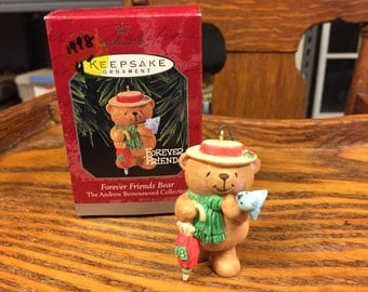 "1998 Hallmark Keepsake Christmas ornament  bear ""Forever Friends"""