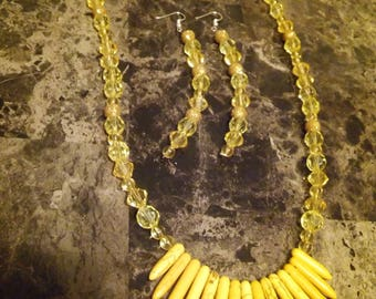 Yellow spiked necklace set