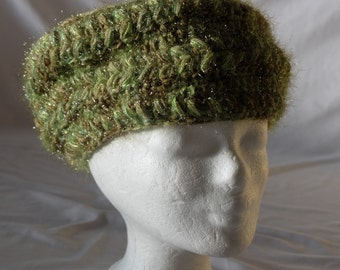 Women's Cap made of wool and effect yarn