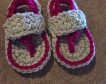 0-3 months flip flops