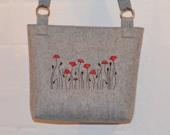 Shoulder bag made of felt with poppies
