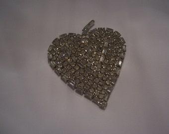 Gorgeous Heart Shape Rhinestone Brooch