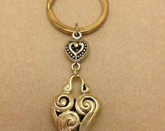 Vintage Curly Heart Keychain