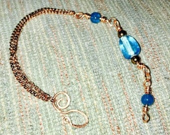 Hammered copper and glass bead anklet