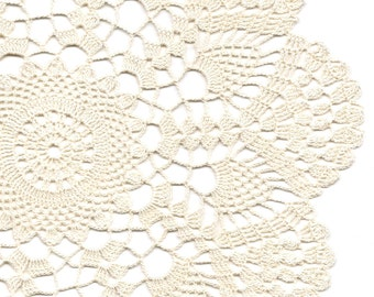 Crochet Doilies Lace Doily Table Decor Crocheted Place Mat Centrepiece Doily Tablecloth Table Runner Napkin Vintage Boho Wedding Cream Beige
