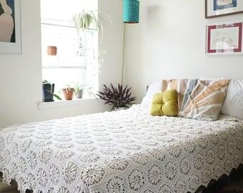 Retro Bohemian Crochet Bed Spread / Mid Century Throw