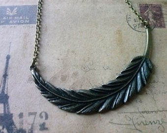 Large wing chain ~ bronze ~.