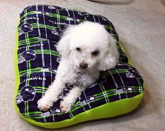 Seahawk Dog Bed-Seahawks Plaid Dog Bed-Handmade Dog Bed-Cushy Dog Bed-Washable Dog Bed-Seahawks 12th dog Bed-Fleece soft Dog Bed