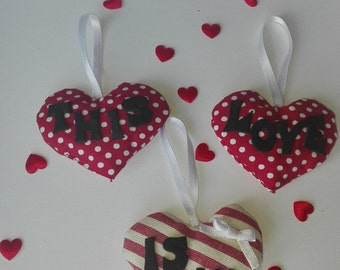 """TRIS """"This is love"""" fragrant hearts of fabric with organic Lavender. Scented sachets. Gift idea, Valentine, sweethearts"""