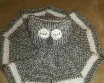 Sleepy owl security blanket