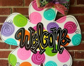 Flower door hanger, Spring door hanger, welcome door hanger, welcome sign, wood door hanger, decorative door hanger