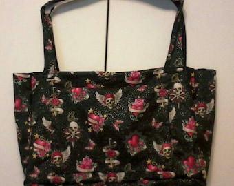 Skull and hearts purse