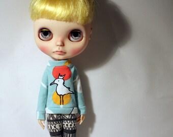 Fancy sweater for Blythe