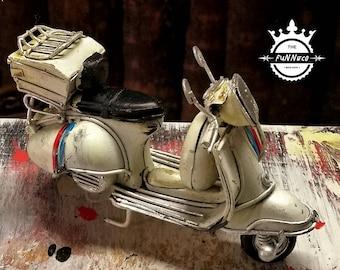 Vintage Vespa Mini