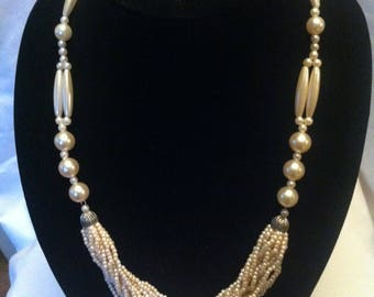 Vintage Beaded Faux Pearls Necklace