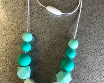 Turquoise/white silicone bead necklace