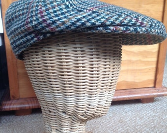 Traditional tweed vintage flat cap. Willders Newsboy woollen mix cap, peak cap, golf cap or ivy cap, country style caps. Suits any occasion