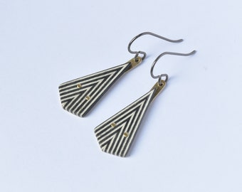 Triangle jewelry geometric, black and white, titanium hooks earrings