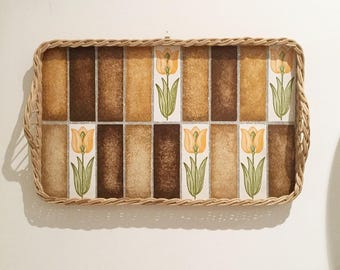 Tray vintage wood and wicker floral décor 'tulips'