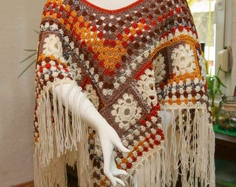 Selbstgemachter crochet poncho 02 - boho style unique