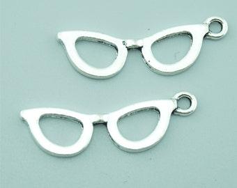 20pcs 10x30mm Antique Silver Sunglasses Charm Pendants Z1586