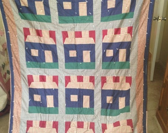 "Handmade Quilt ""Chimney House"""
