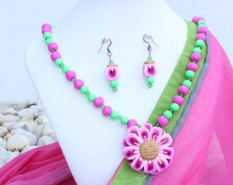 Handmade Polymer clay jewelry Necklace : Pink flower + Green crystals + Pink and Green handmade beads