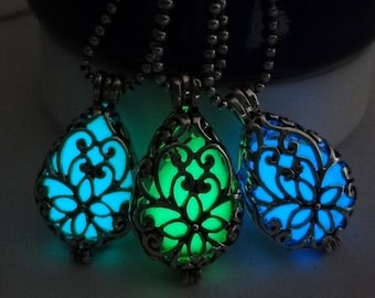 Fluorescent Stone Necklace