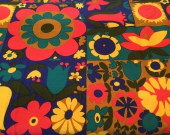 Romanex de Boussac cotton fabric Avoriaz 1968 Designer Pascaline Villon Flower Power Vintage tablecloth Craft fabric