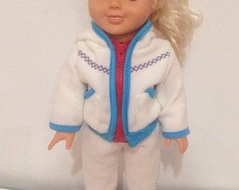 Jogging suit for dolls.