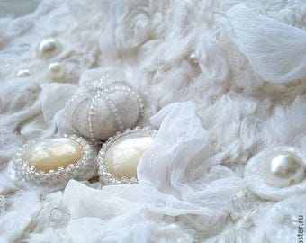 "Felt necklace and bracelet ""white cloud"", silk, wool"