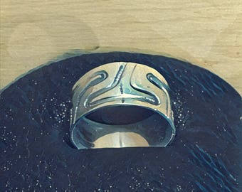 Whale Tale Pattern Band