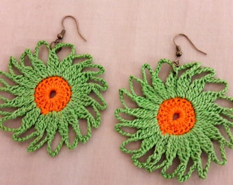 Beautiful  green swirl earrings