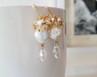 Bride earrings with pearls and crystals