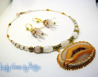 """Jewelry set """"Flowers in the Desert"""", beadwork, bead embroidery, handmade jewelry, gift for her, natural stones jewelry, pink quartz, agate"""
